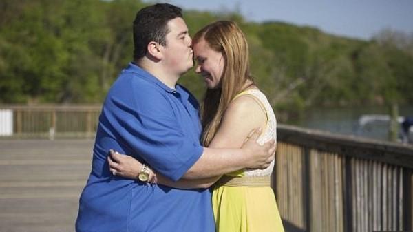 Ex-anoréxica e obeso que se conheceram em clínica vão casar