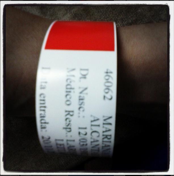 Pulseira de admissão hospitalar