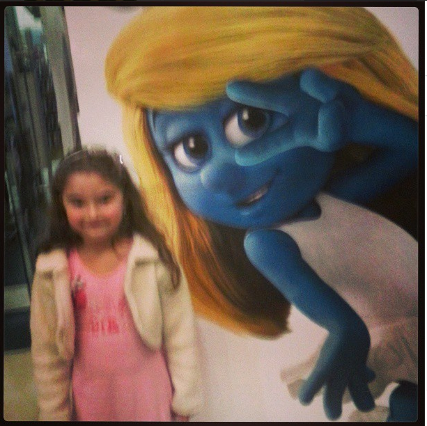 Carol e Smurfette... #alameda #cinema #cinemais #família #jf #smurfette #ossmurfs